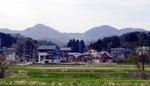 春の八石山.jpg